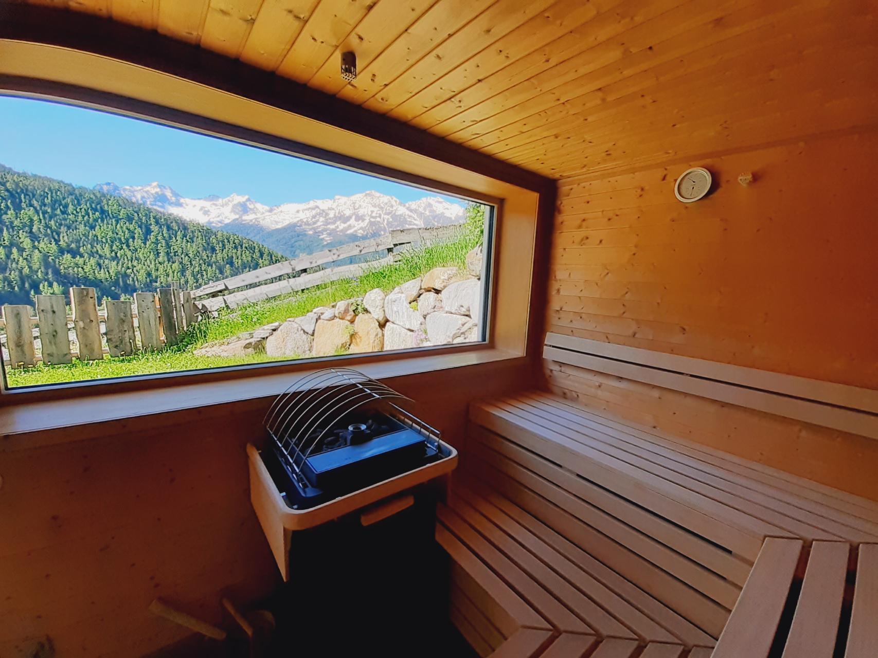 Sauna mit Panoramfenster der Veitenhof